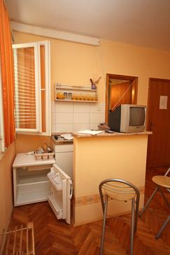 Dubrovnik, Kitchen in the studio-apartment.