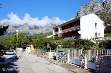 Zaostrog, Makarska, Property 4680 - Apartments near sea with pebble beach.