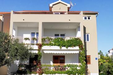 Žaborić, Šibenik, Property 469 - Apartments near sea with pebble beach.