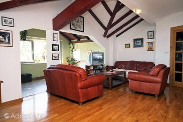 Mokošica, Living room in the apartment, dostupna klima i WIFI.