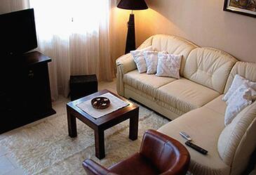 Štikovica, Pokój dzienny 1 w zakwaterowaniu typu house, dostupna klima i WIFI.