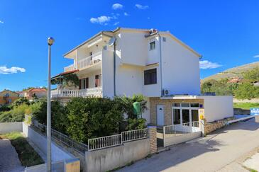 Grebaštica, Šibenik, Obiekt 471 - Apartamenty przy morzu ze żwirową plażą.