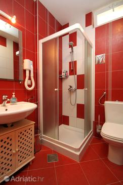 Bathroom 2   - K-4714