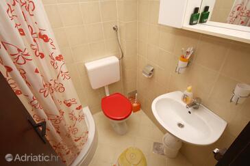 Bathroom    - K-4718