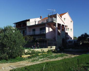 Solaris, Šibenik, Property 472 - Apartments with pebble beach.