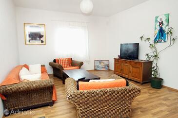 Molunat, Living room in the apartment, dopusteni kucni ljubimci.