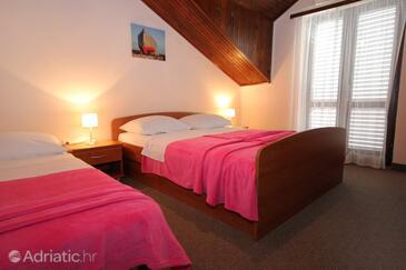 Cavtat, Ložnice v ubytování typu room, s klimatizací a WiFi.