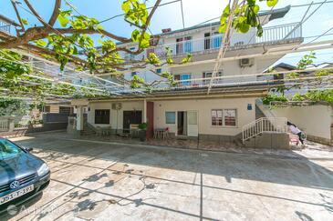 Podaca, Makarska, Property 4734 - Apartments near sea with pebble beach.
