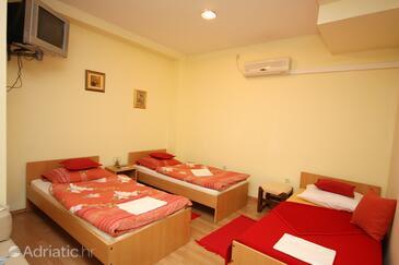 Split, Bedroom in the room, dopusteni kucni ljubimci.