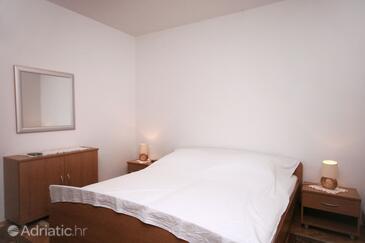 Orašac, Bedroom in the room.