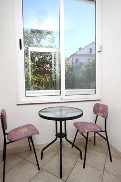 Podaca, Jídelna v ubytování typu studio-apartment, WiFi.