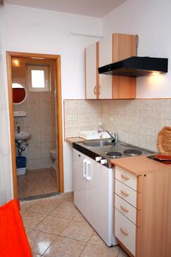 Podaca, Kuchyně v ubytování typu studio-apartment, WiFi.