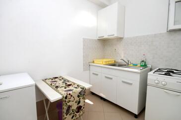 Podaca, Кухня в размещении типа studio-apartment, WiFi.