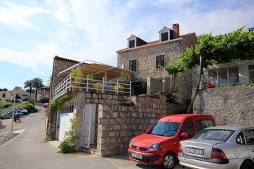 Mlini, Dubrovnik, Obiekt 4756 - Willa ze żwirową plażą.
