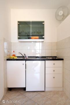Mlini, Kitchen in the studio-apartment, dopusteni kucni ljubimci i WIFI.