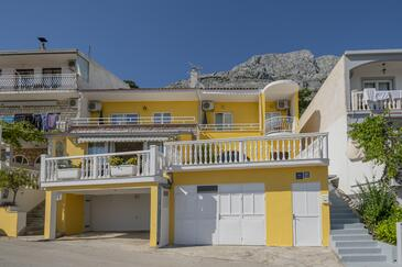 Baška Voda, Makarska, Property 4759 - Apartments with pebble beach.