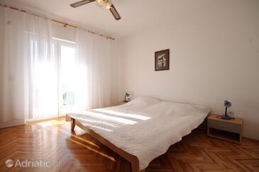 Plat, Bedroom in the room.