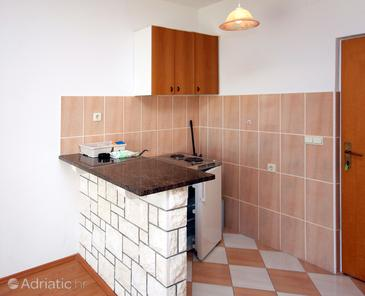 Soline, Kitchen in the studio-apartment, WIFI.