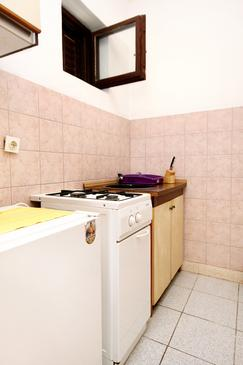 Soline, Kitchen in the studio-apartment, dopusteni kucni ljubimci i WIFI.