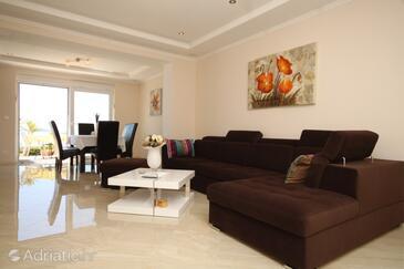 Soline, Living room in the apartment, dostupna klima i WIFI.