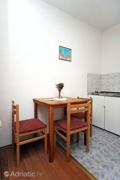 Mlini, Dining room in the studio-apartment, dopusteni kucni ljubimci i WIFI.