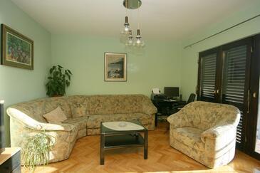 Podgora, Obývacia izba v ubytovacej jednotke apartment, WIFI.