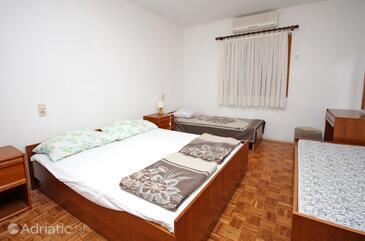 Mlini, Bedroom in the room, dopusteni kucni ljubimci.