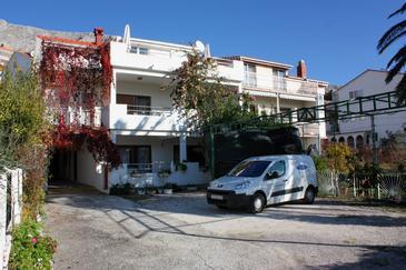 Duće, Omiš, Obiekt 4794 - Apartamenty przy morzu z piaszczystą plażą.