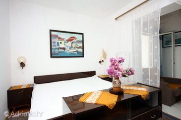 Duće, Living room in the studio-apartment, WiFi.