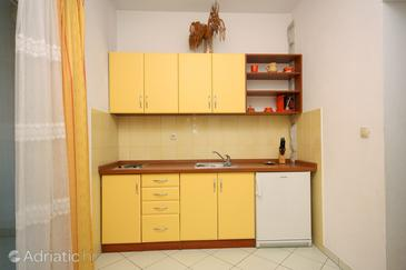 Duće, Кухня в размещении типа studio-apartment, доступный кондиционер и WiFi.