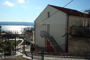 Duće, Omiš, Property 4796 - Apartments near sea with sandy beach.