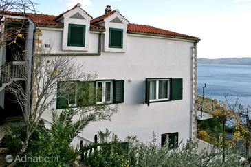 Mimice, Omiš, Property 4797 - Apartments with pebble beach.