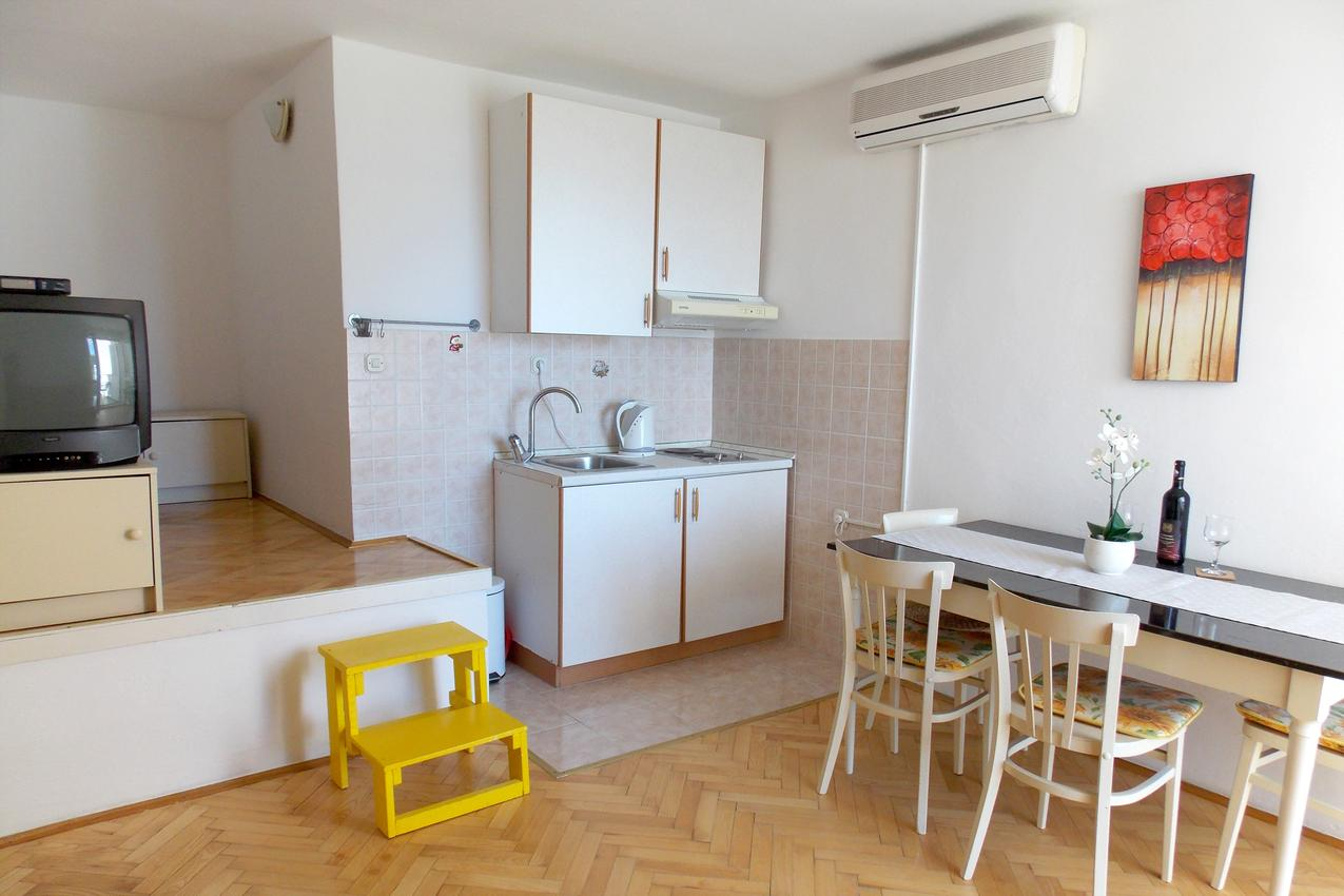 Holiday apartment im Ort Due (Omia), Kapazität 2+2 (1496093), Omiš, , Dalmatia, Croatia, picture 4