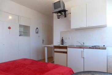 Duće, Кухня в размещении типа studio-apartment, Домашние животные допускаются и WiFi.