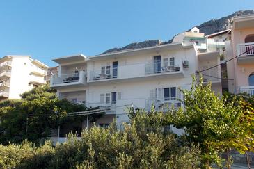 Duće, Omiš, Property 4798 - Apartments near sea with sandy beach.