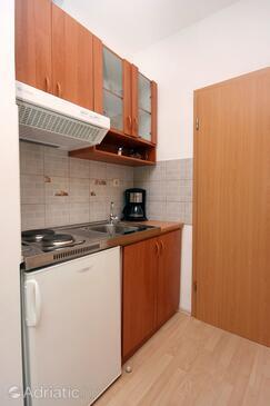 Duće, Kitchen in the studio-apartment, WIFI.