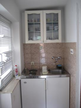 Grebaštica, Kitchen in the studio-apartment, WIFI.