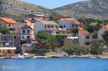 Grebaštica, Šibenik, Объект 480 - Апартаменты вблизи моря с галечным пляжем.