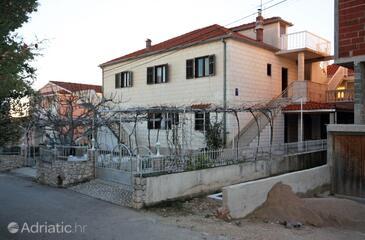 Rogoznica, Rogoznica, Property 4800 - Apartments with pebble beach.