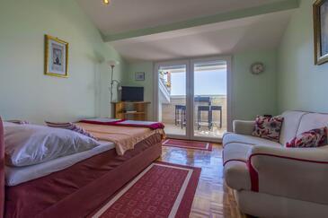 Selce, Obývací pokoj v ubytování typu studio-apartment, WiFi.