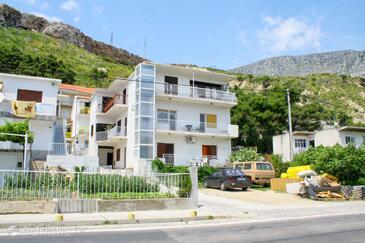 Duće, Omiš, Property 4804 - Apartments near sea with sandy beach.