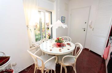 Split, Dining room in the studio-apartment, WIFI.