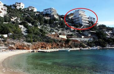 Uvala Ljubljeva, Trogir, Property 4811 - Apartments near sea with pebble beach.