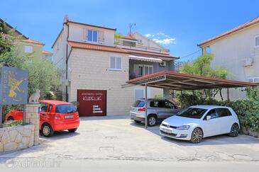 Trogir, Trogir, Property 4814 - Apartments and Rooms with rocky beach.