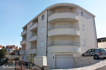 Okrug Gornji, Čiovo, Property 4816 - Apartments near sea with pebble beach.