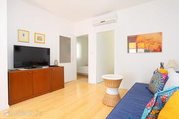 Rastići, Living room in the apartment, (pet friendly) and WiFi.