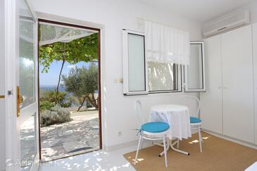 Rastići, Dining room in the studio-apartment, (pet friendly) and WiFi.