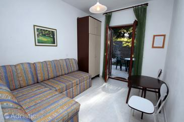 Sumpetar, Living room in the apartment, dostupna klima i WIFI.