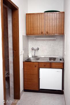 Sumpetar, Kitchen in the studio-apartment, WIFI.