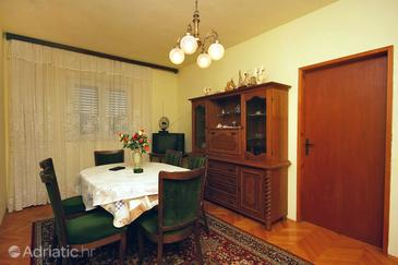Kanica, Dining room in the apartment.